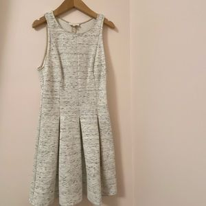 Wilfred Summer dress. Size:4 US. Pleated bottom